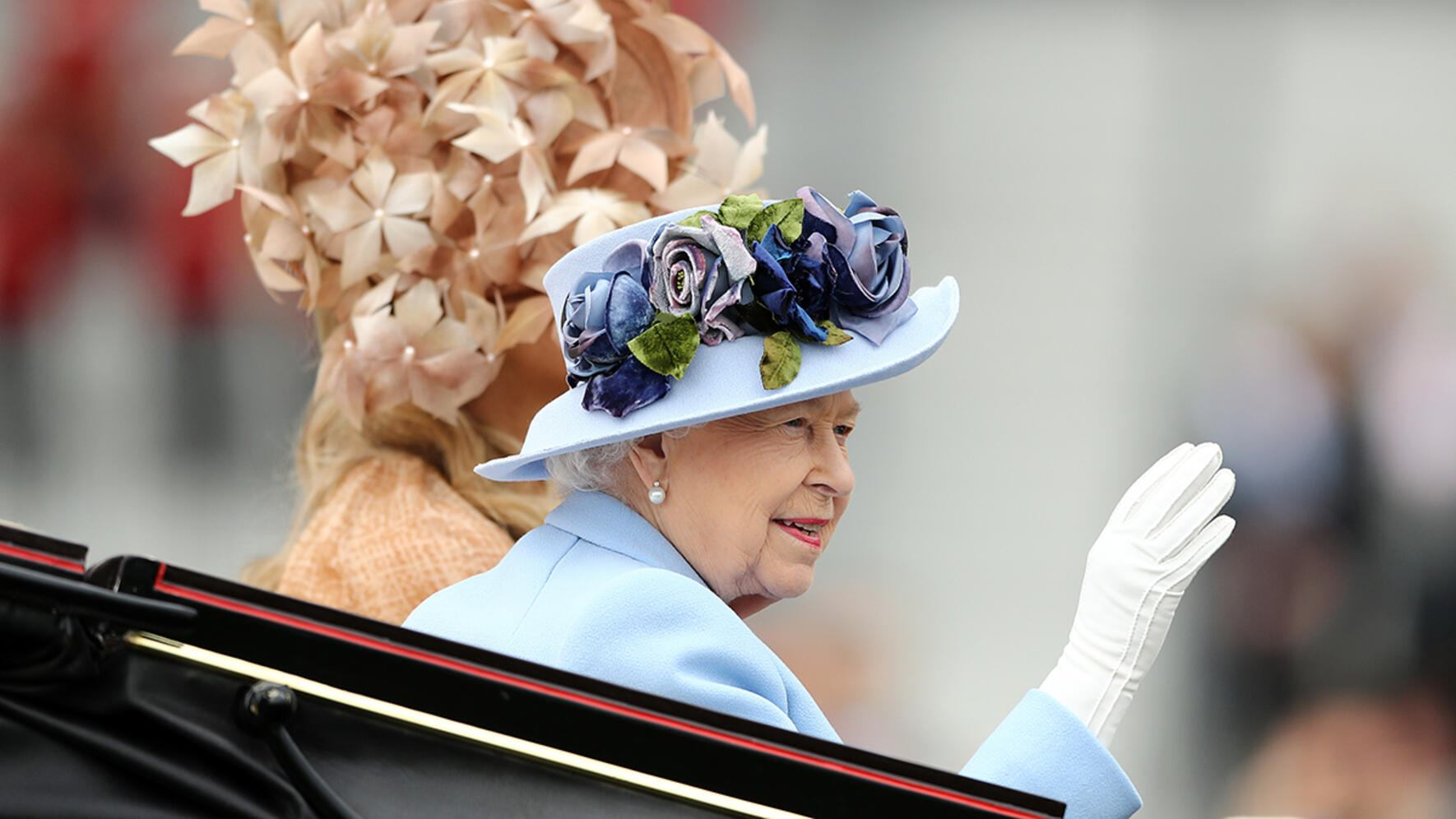 ASCOT, ENGLAND - JUNE 18: Queen Elizabeth II waves to the crowds as she arrives on day one of Royal Ascot at Ascot Racecourse on June 18, 2019 in Ascot, England. (Photo by Bryn Lennon/Getty Images for Ascot Racecourse)