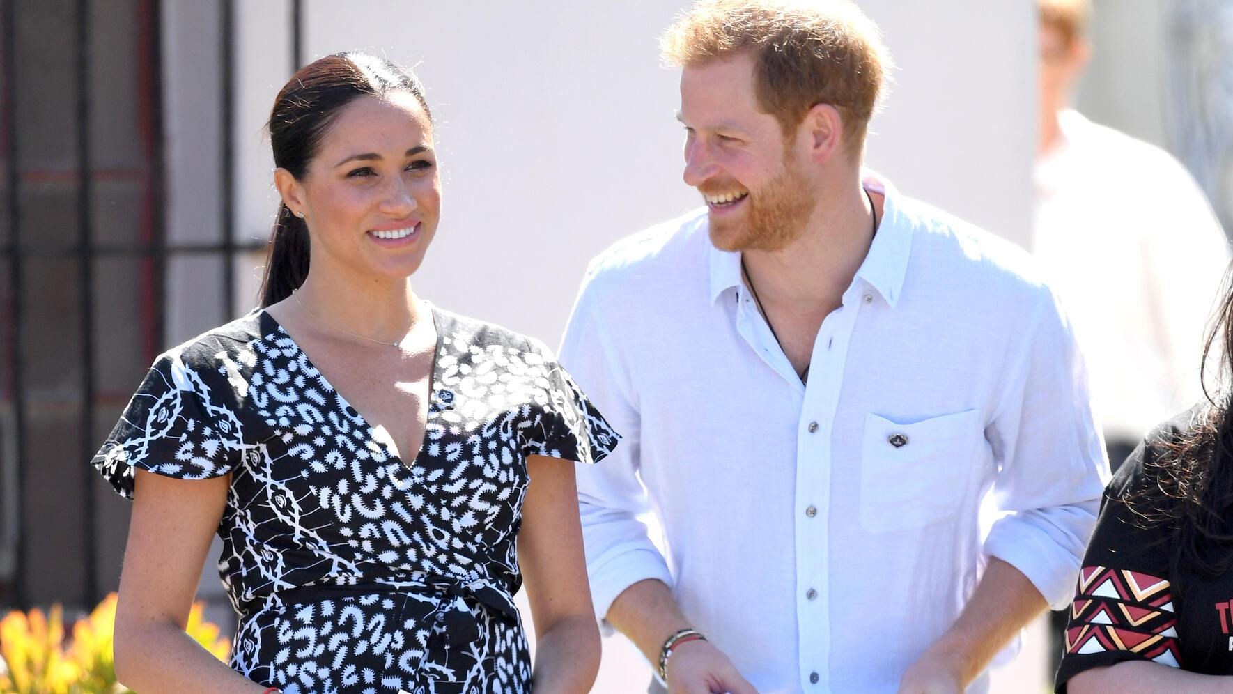 CAPE TOWN, SOUTH AFRICA - SEPTEMBER 23: Prince Harry, Duke of Sussex and Meghan, Duchess of Sussex visit the Nyanga Township during their royal tour of South Africa on September 23, 2019 in Cape Town, South Africa. (Photo by Karwai Tang/WireImage)