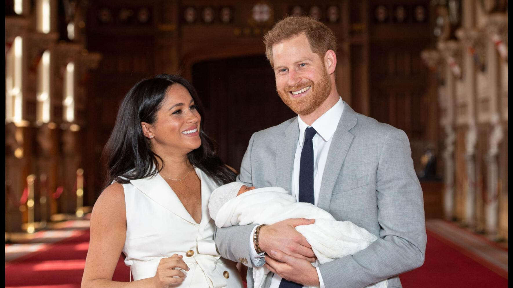 May 8, 2019 - Windsor, Berkshire, United Kingdom: Prince Harry and Meghan, Duke and Duchess of Sussex, with their baby son, who was born on May 6 in the early morning, during a photocall in St George's Hall at Windsor Castle. (i-Images / Polaris) (FOTO:DUKAS/POLARIS)