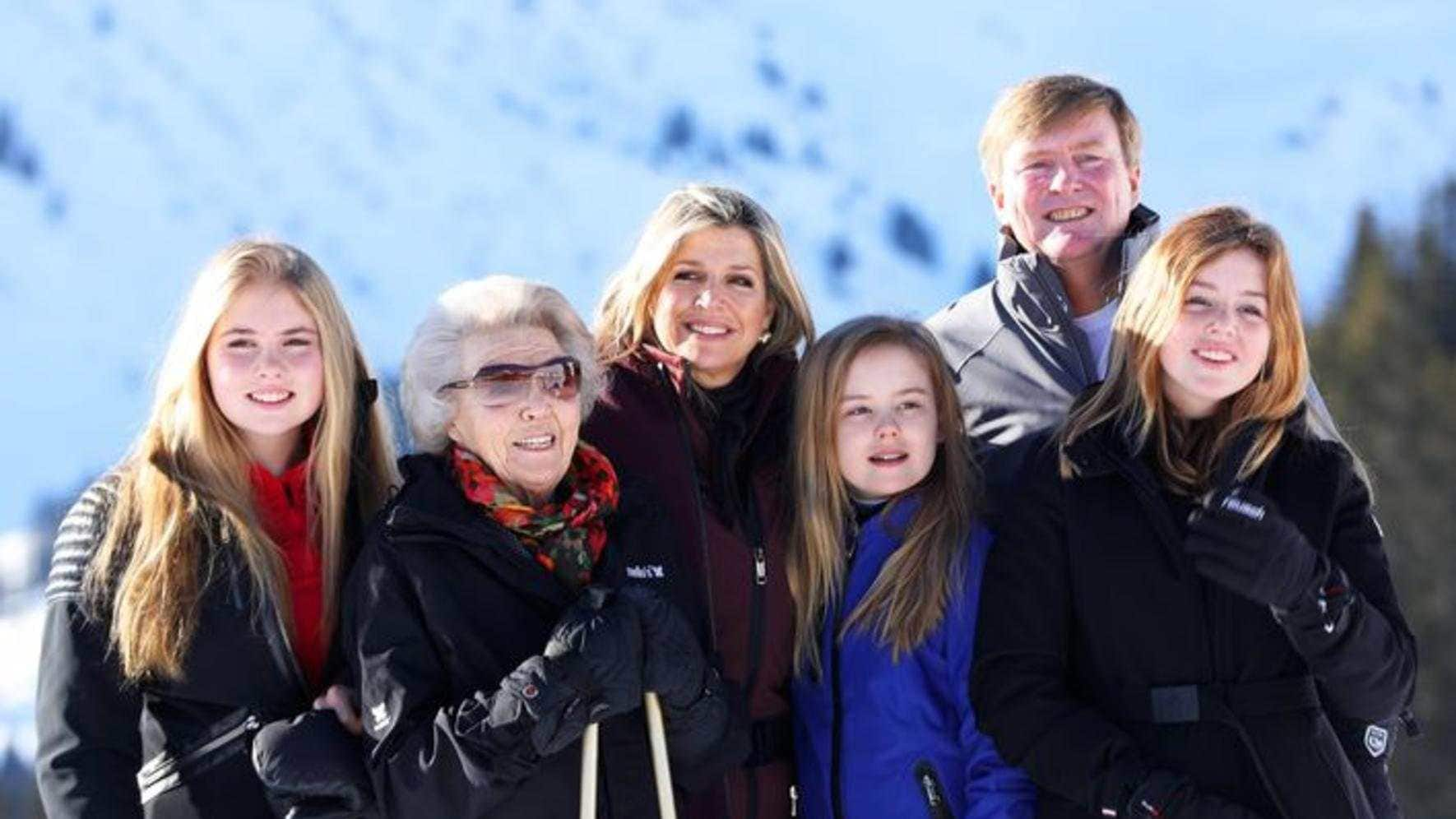 25-02-2019 Lech Queen Maxima and King Willem-Alexander and Princess Amalia and Princess Alexia and Princess Ariane pose during a photocall during the ski holiday in Lech am Arlberg, Austria. PUBLICATIONxINxGERxSUIxAUTxONLY Copyright: xPPEx
