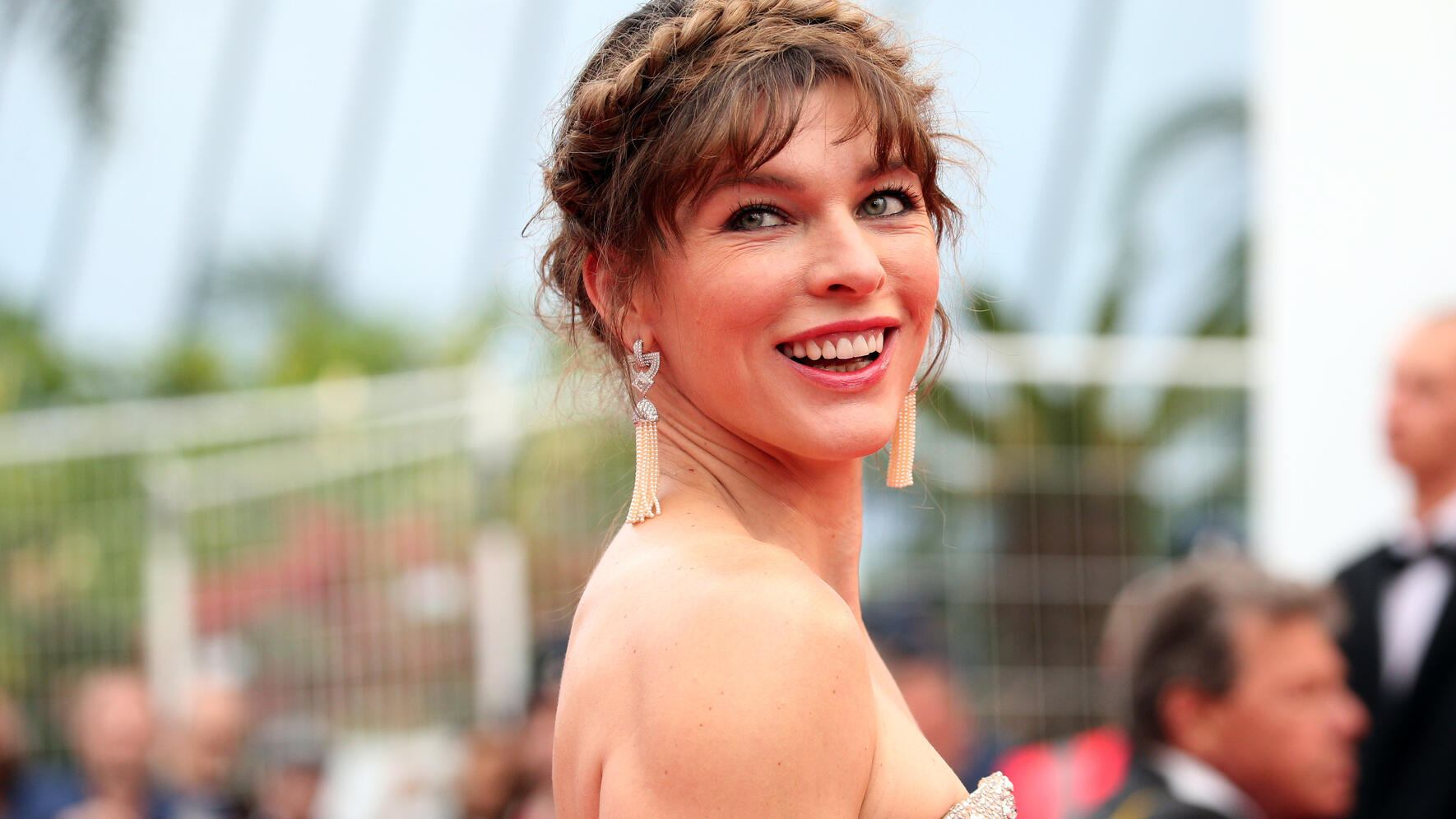 """CANNES, FRANCE - MAY 24: Milla Jovovich attends the screening of """"Sibyl"""" during the 72nd annual Cannes Film Festival on May 24, 2019 in Cannes, France. (Photo by Gisela Schober/Getty Images)"""