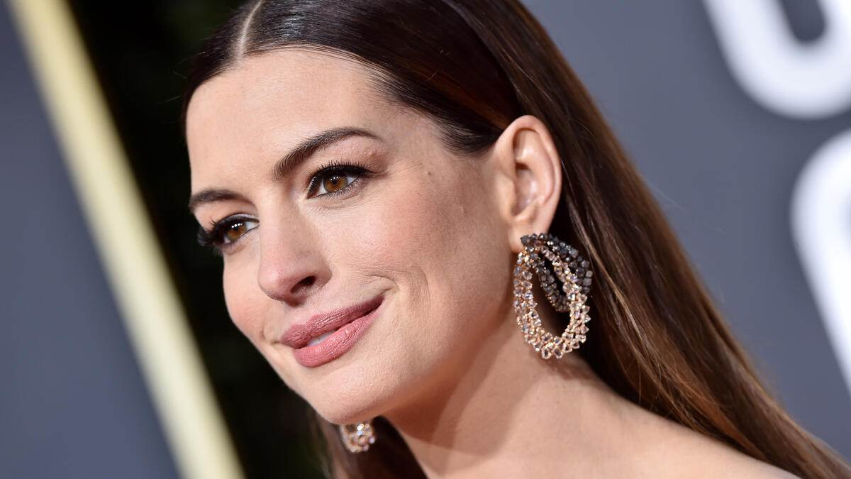 BEVERLY HILLS, CA - JANUARY 06:  Anne Hathaway attends the 76th Annual Golden Globe Awards at The Beverly Hilton Hotel on January 6, 2019 in Beverly Hills, California.  (Photo by Axelle/Bauer-Griffin/FilmMagic)