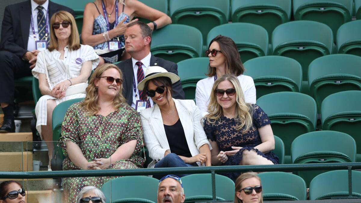 04/07/2019. London, United Kingdom: Meghan Markle, the Duchess of Sussex watches Serena Williams on Court One on the fourth day of the Wimbledon Tennis Championships in London. (Stephen Lock / i-Images / Polaris) (FOTO:DUKAS/POLARIS)