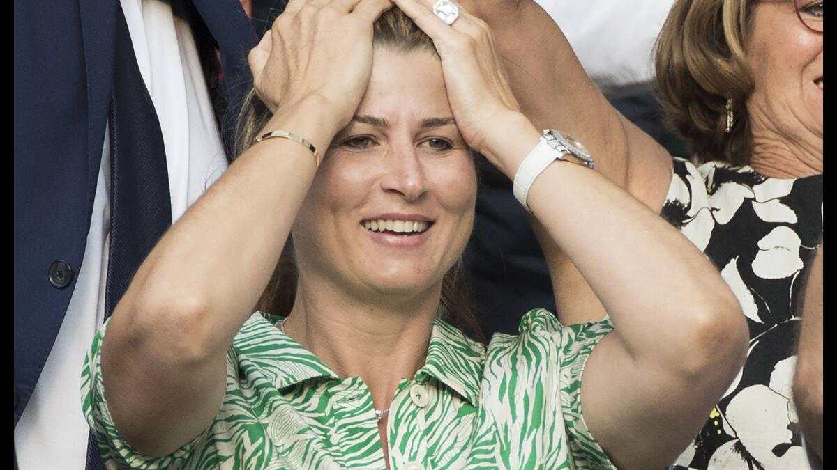 Entertainment Bilder des Tages . 12/07/2019. London, United Kingdom. Mirka Federer celebrates Roger FedererÕs semi-final win on day eleven of the Wimbledon Tennis Championships in London. PUBLICATIONxINxGERxSUIxAUTxHUNxONLY xStephenxLockx/xi-Imagesx IIM-19906-0151