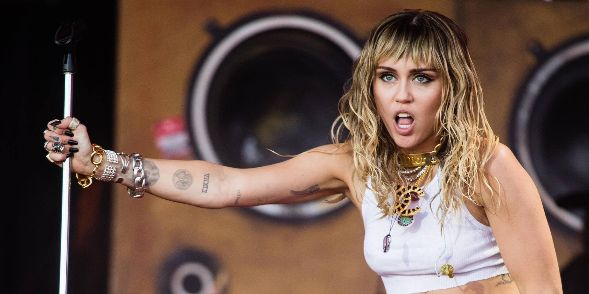 GLASTONBURY, ENGLAND - JUNE 30: Miley Cyrus  performs on the Pyramid Stage during day five of Glastonbury Festival at Worthy Farm, Pilton on June 30, 2019 in Glastonbury, England. (Photo by Samir Hussein/WireImage)