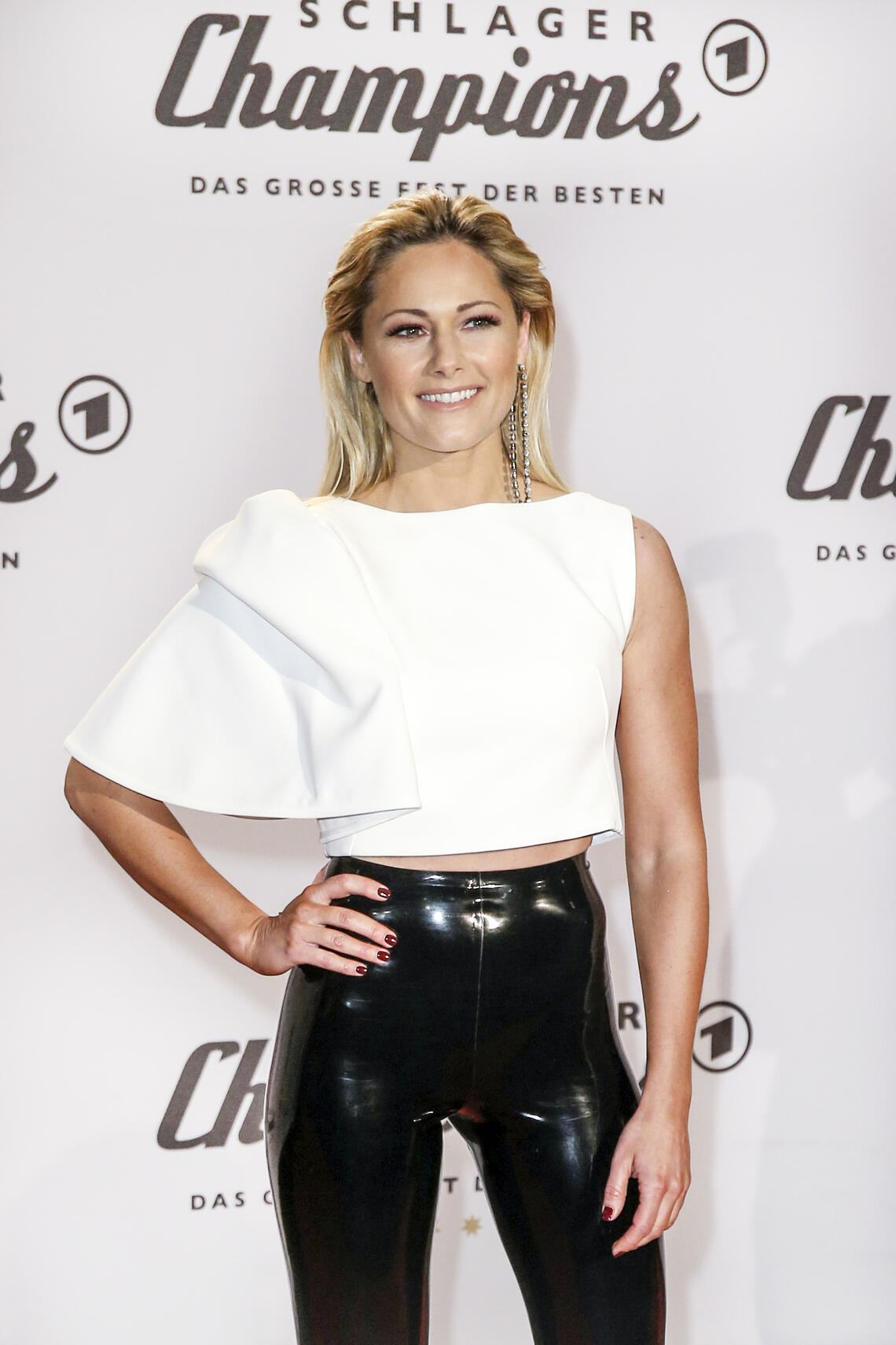 BERLIN, GERMANY - JANUARY 12: German singer Helene Fischer arrives at the television show 'Schlagerchampions - Das grosse Fest der Besten' at Velodrom on January 12, 2019 in Berlin, Germany. (Photo by Isa Foltin/WireImage)