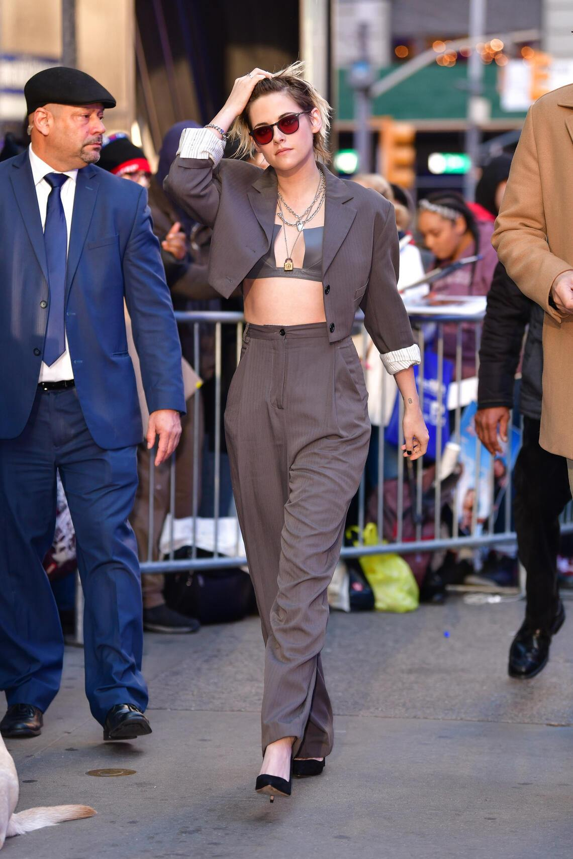 """NEW YORK, NY - NOVEMBER 06: Kristen Stewart visits ABC's """"Good Morning America"""" in Times Square on November 6, 2019 in New York City.  (Photo by James Devaney/GC Images)"""