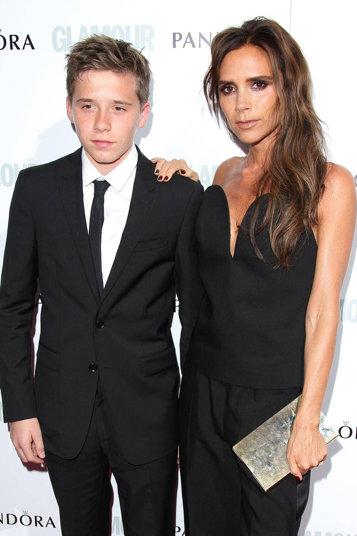 Victoria Beckham mit Sohn Brooklyn Glamour Women of The Year Awards Roter Teppich
