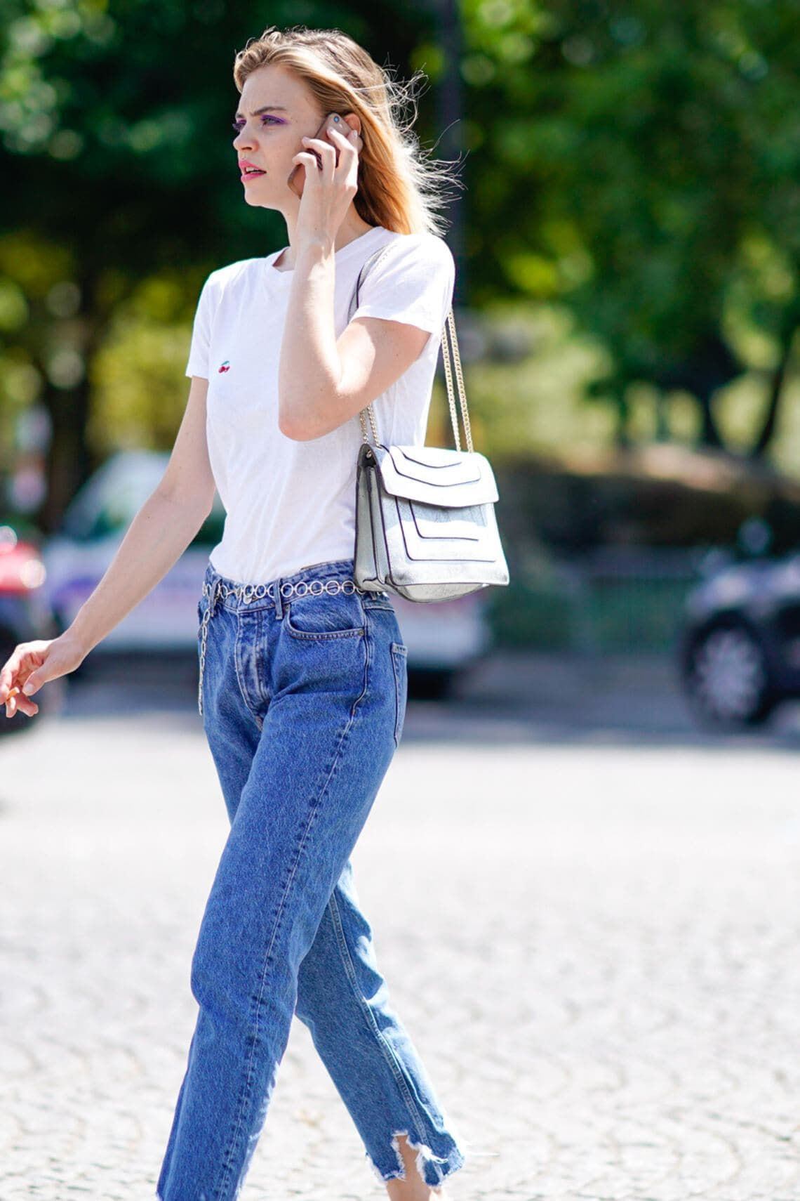 Streetstyle Weisses T-Shirt zur Jeans