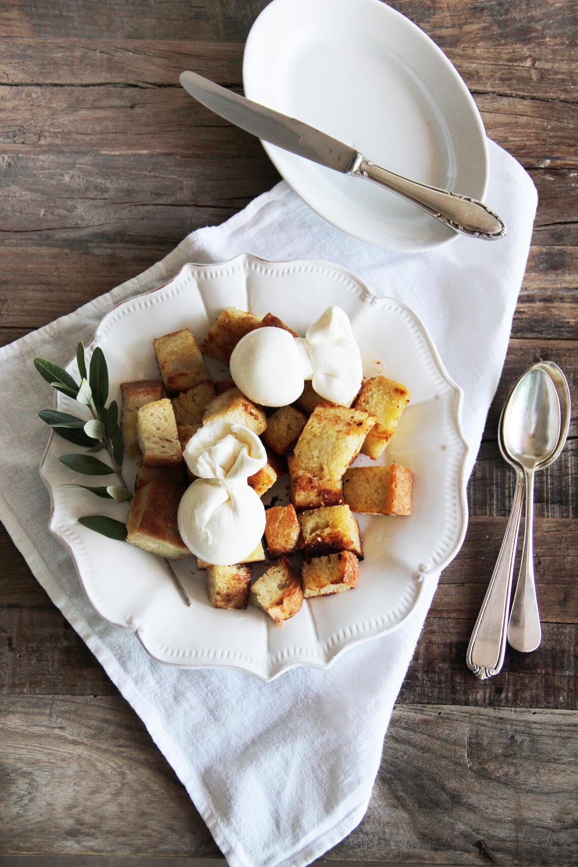 fork and flower X SI Style Rezept: Warme Croutons & Burrata