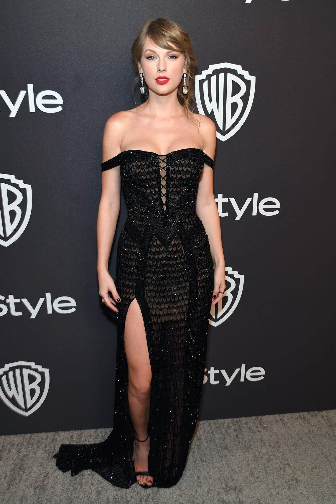 BEVERLY HILLS, CA - JANUARY 06:  Taylor Swift attends the 2019 InStyle and Warner Bros. 76th Annual Golden Globe Awards Post-Party at The Beverly Hilton Hotel on January 6, 2019 in Beverly Hills, California.  (Photo by Kevin Mazur/Getty Images for InStyle)
